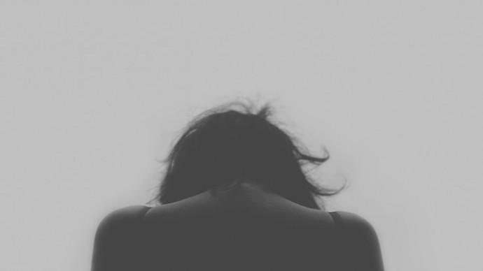 cómo diferenciar entre tristeza y depresión